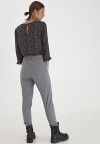 PULZ - PXVICTORIA SPECIAL FAIR OFFER - Trousers - medium grey melange - 4