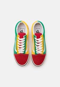 Vans - ANAHEIM OLD SKOOL 36 DX UNISEX - Skate shoes - green/yellow/red - 5