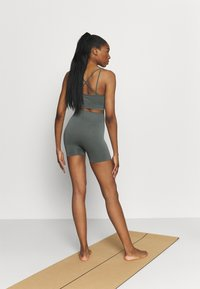 Even&Odd active - SEAMLESS SET - Top - green - 4