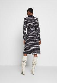 Wallis - SPOT DRESS - Sukienka z dżerseju - black/white - 2