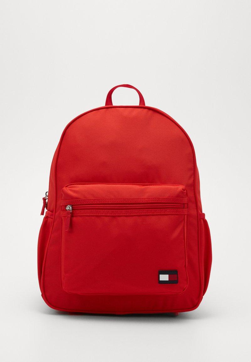 Tommy Hilfiger - NEW ALEX BACKPACK SET - Schooltas - red