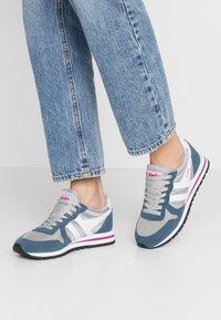 Gola - DAYTONA - Sneakersy niskie - light grey/baltic/white - 0