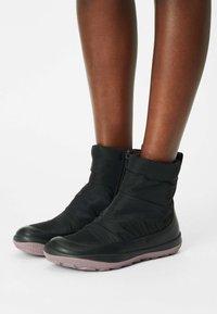 Camper - PEU PISTA  - Winter boots - black - 0
