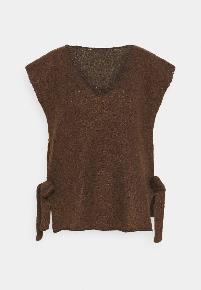 MAGGIE  - T-shirt print - carafe
