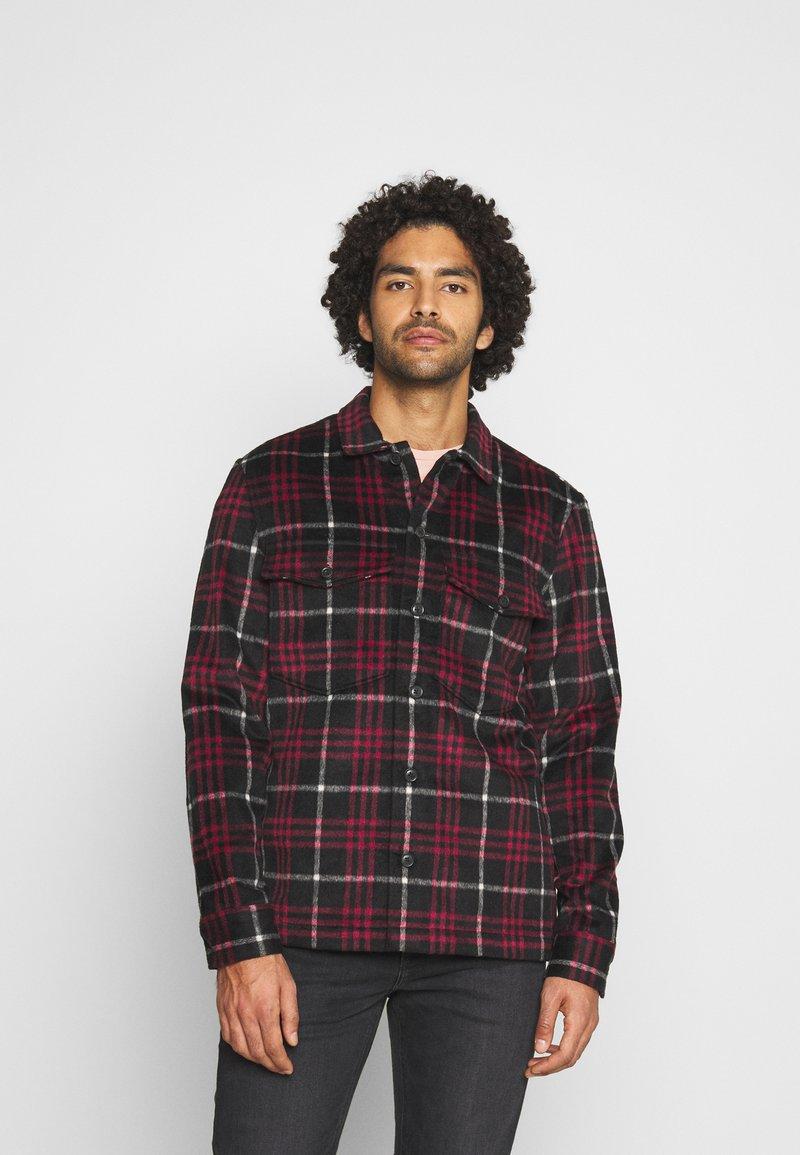 AllSaints - BERTHOLD  - Shirt - jet black/red