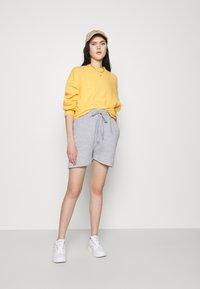 Missguided - OVERSIZED LONG LINE - Teplákové kalhoty - grey marl - 1