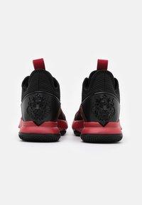 Nike Performance - LEBRON WITNESS IV - Scarpe da basket - black/gym red/university red - 2
