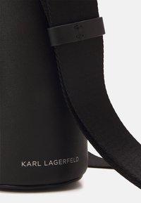 KARL LAGERFELD - LETTERS BOTTLE HOLDER - Across body bag - black - 4
