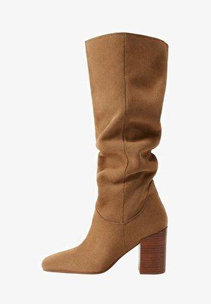 WEEK - High heeled boots - sand