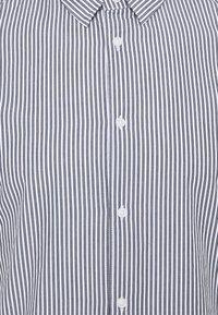 TOM TAILOR DENIM - HIDDEN BUTTONDOWN COLLAR SHIRT - Chemise - navy/ white - 2