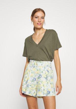 TANYA TEE - Camiseta básica - greyish green