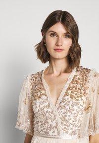 Needle & Thread - PATCHWORK BODICE BALLERINA DRESS - Vestido de cóctel - champagne/gold - 3