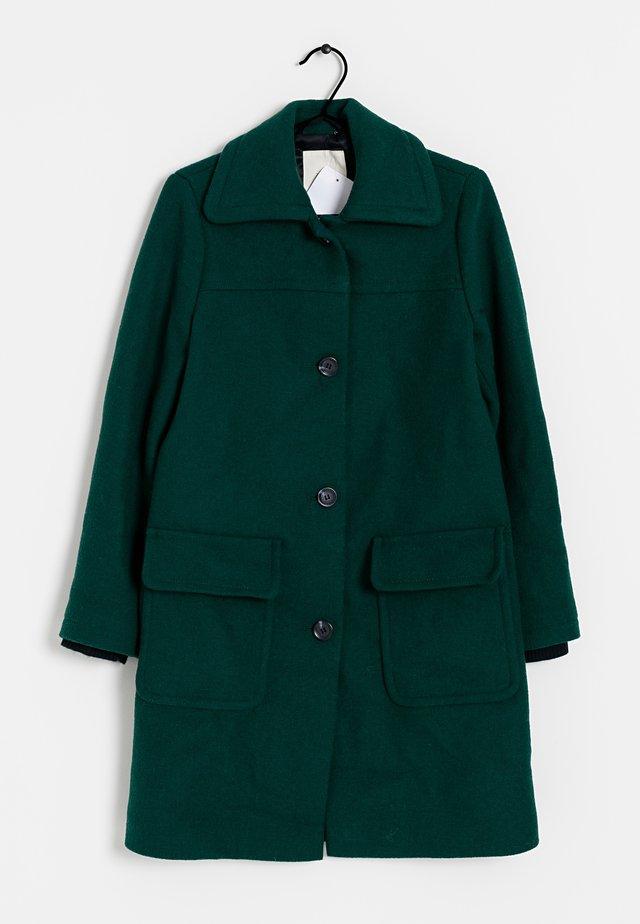 Mantel - green