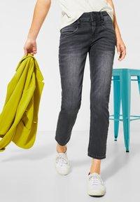 Street One - STRAIGHT LEG - Slim fit jeans - schwarz - 1