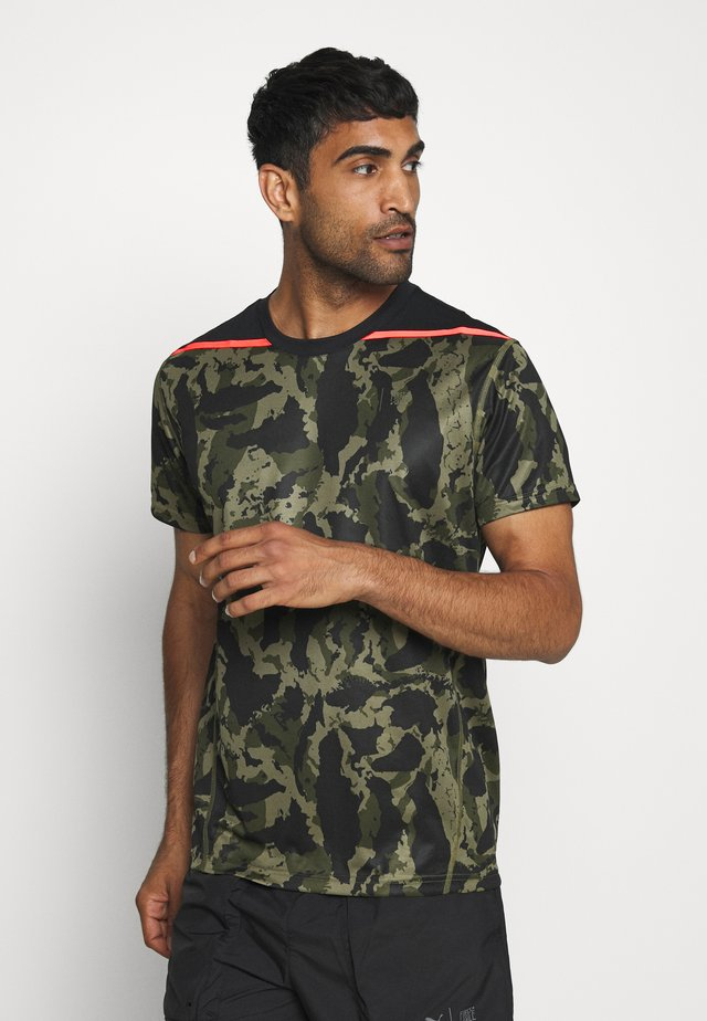 FIRST MILE CAMO TEE - Print T-shirt - burnt olive