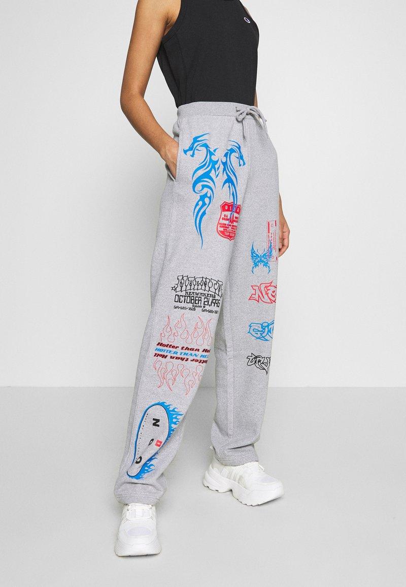 NEW girl ORDER - I LOVE - Teplákové kalhoty - grey