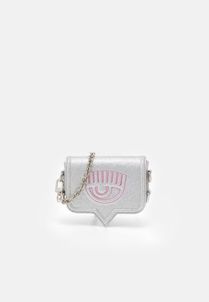 MINI EYELIKE BAG - Taška spříčným popruhem - silver-coloured
