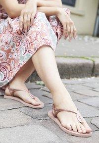 Havaianas - LUNA - T-bar sandals - crocus rose - 5