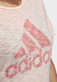 adidas Performance - WINNERS SHORT SLEEVE CREW T-SHIRT (PLUS SIZE) - Camiseta estampada - pink - 4