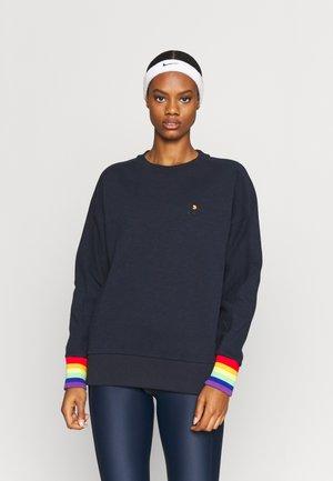 ESSENTIALS  - Sweatshirt - navy blue/multi