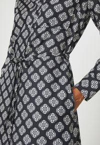 Marc O'Polo - DRESS STYLE BREAST POCKET SMALL BELT PRINTED - Shirt dress - black - 5