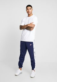 Nike Sportswear - TEARAWAY  - Pantalon de survêtement - midnight navy/white - 1