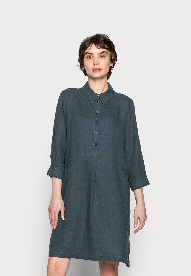 QUINI - Košilové šaty - pacific