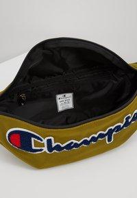 Champion - BELT BAG ROCHESTER - Sac bandoulière - dark yellow - 4