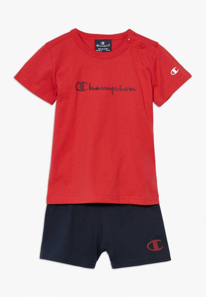 Champion - CHAMPION X ZALANDO TODDLER SUMMER SET - Krótkie spodenki sportowe - red/dark blue
