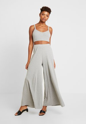 SET - Trousers - grey