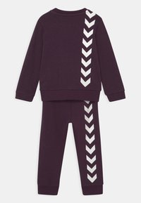 Hummel - ARIN CREWSUIT SET UNISEX - Survêtement - blackberry wine - 1