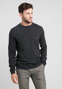 Esprit - Stickad tröja - anthracite - 0
