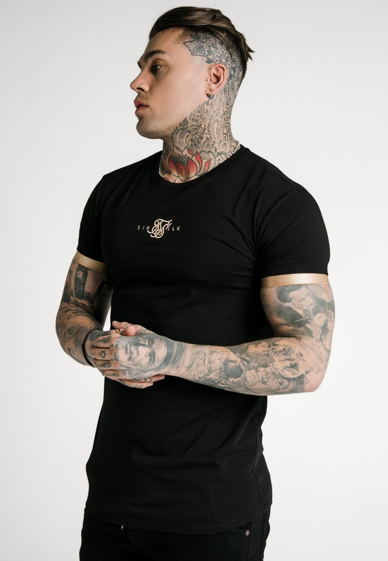 SIKSILK - INSET CUFF GYM TEE - T-shirt print - black/gold