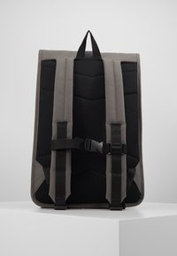 Rains - ROLL TOP - Mochila - charcoal - 3