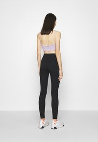 Nike Sportswear - LEGASEE  - Leggings - black - 2