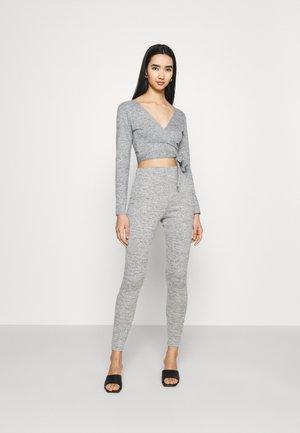 CUT AND SEW WRAP SET - Jumper - grey
