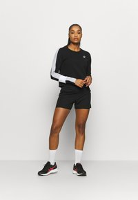 ASICS - COLORBLOCK CREW - Sweatshirt - performance black/mid grey heather - 1