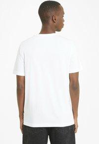 Puma - ESS SMALL LOGO TEE - T-shirt basic -  white - 2