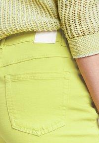 Gerry Weber - Slim fit jeans - lime - 2