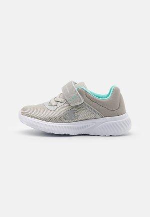 LOW CUT SHOE SOFTY 2.0  UNISEX - Sportschoenen - light grey/turquoise