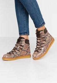 ANGULUS - Lace-up ankle boots - beige - 0