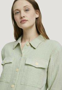 TOM TAILOR DENIM - Button-down blouse - light dusty green - 3
