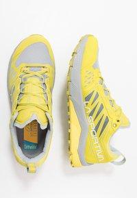 La Sportiva - JACKAL WOMAN - Trail running shoes - celery/kiwi - 1