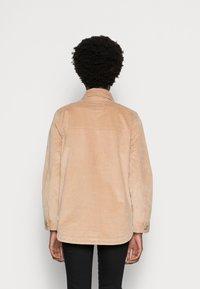 TOM TAILOR DENIM - CORDUROY SHACKET - Light jacket - dark sand beige - 2