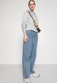 BDG Urban Outfitters - MODERN BOYFRIEND - Relaxed fit jeans - bleach - 3