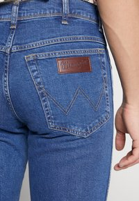 Wrangler - TEXAS - Straight leg jeans - best rocks - 5