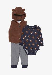Carter's - VEST BABY SET - Veste sans manches - brown - 3