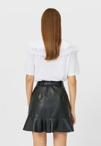 Stradivarius - Mini skirt - black - 2