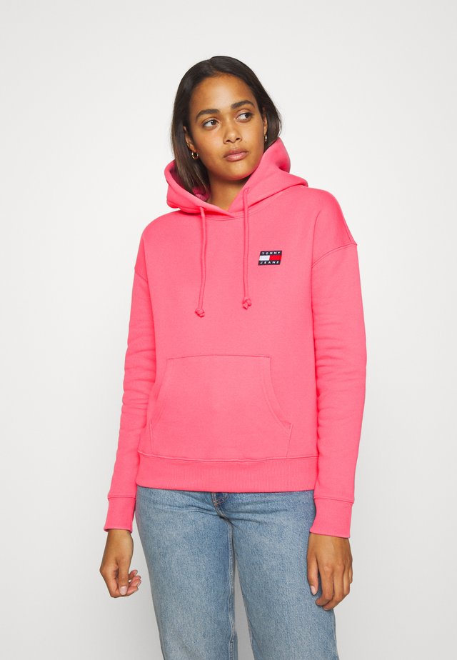BADGE HOODIE - Sweat à capuche - glamour pink