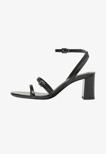 MIT HALBHOHEM ABSATZ - High Heel Sandalette - black